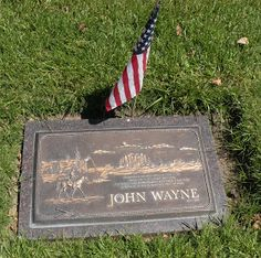 Jeff amd I decided we would try to find the burial site of John Wayne in Pacific View Memorial Park in Corona del Mar (next to Newport...