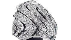Cartier, splendido anello in oro bianco e diamanti