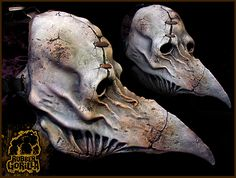 This is a really wicked variation of a plague doctor mask...I have always loved these. <3