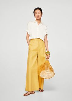 Flowy fabric Classic collar Short sleeve Dart on the back Button fastening on the front section Mango Presents, Outlet, Kermit, Latest Fashion Trends, Blouses, Street Style, Chic, Jeans, Skirts