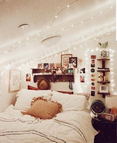 If you're searching for teen bedroom ideas, think . If you're searching for teen bedroom ideas, think about what your teen loves and see their bedroom through their perspective. Stylish Bedroom, Cozy Bedroom, Teen Bedroom, Bedroom Apartment, Home Decor Bedroom, Living Room Decor, Bedroom Ideas, Girl Bedrooms, Bedroom Designs