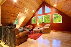 Vacation Rental Cabins | Mysty Mountain Properties: Stevens Pass Chalet in Skykomish