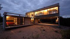 Proyecto: Casa Costa Esmeralda  Arquitectura: BAK Arquitectos  María Victoria Besonías, Luciano Kruk