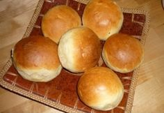 Still Hungarian buns but with dairy this time around. Hamburger, Ale, Rolls, Pizza, Bread, Cooking, Recipes, Food, Lunch Ideas