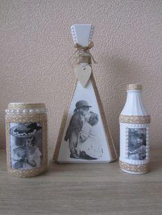 Glazen flessen/potjes bewerkt met gesso, en vintage servet/plaatjes