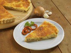 Slaninovo-česnekový quiche se sýrem Russian Recipes, Quiche, French Toast, Polish, Breakfast, Food, Morning Coffee, Vitreous Enamel, Essen