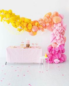 Ombre Honeycomb Waterfall Arch Oh Happy Day! Paper Party Decorations, Honeycomb Decorations, Birthday Decorations, Wedding Decorations, Do It Yourself Food, Art Party, Backdrops For Parties, Balloon Garland, Paper Lanterns