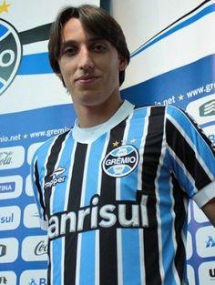 Geromel recebe propostas, mas rechaça Europa para ficar no Grêmio - Futebol - iG