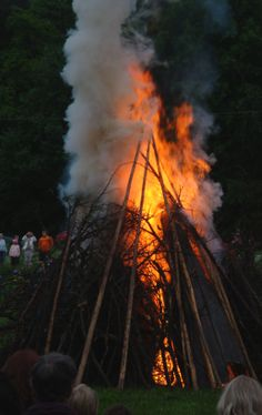 Midsummer bonfire in Finland - Kaj Fahlström