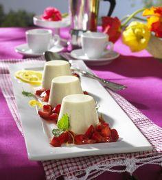 Unser beliebtes Rezept für Panna Cotta zu Campari-Erdbeeren und mehr als 55.000 weitere kostenlose Rezepte auf LECKER.de.