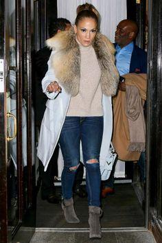 Jennifer Lopez wearing Altuzarra Claypoole Coat with Fox Fur Collar, Valentino My Rockstud Bag and Giuseppe Zanotti Vera Suede Zip Ankle Booties Jennifer Lopez Images, Jennifer Lopez News, Winter Looks, Fox Fur, Sweater Weather, Star Fashion, Her Style, Winter Outfits, Valentino