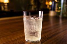 Gin Tonic with 5 kinds of Gin/5種類のジンにジュニパーベリーを浸けこんだジントニック|Cocktails|お酒、カクテルを愛する方のポータルサイト【Drink Planet】 - バーテンダー,バーオーナーに向けて世界中のカクテル最新情報を発信