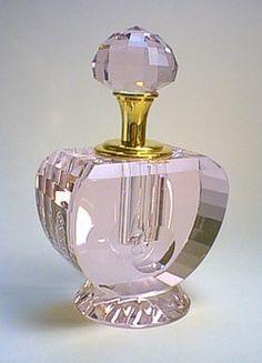 Lead crystal perfume bottle Crystal Perfume Bottles, Perfume Atomizer, Antique Perfume Bottles, Vintage Bottles, Perfumes Vintage, Beautiful Perfume, Bottle Art, Fragrance, Vase