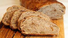 Fiken- og valnøttbrød er et brød som er spesielt godt til ost. Kanskje på tide å bytte ut kjeksen?
