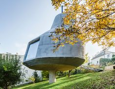 jan šépka's 'house in the orchard' sits on a single concrete pillar