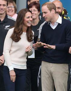 Pin for Later: Die königliche Reise holt das Beste aus Will und Kate heraus Kate lachte über Wills Scherze