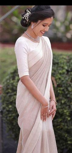 Ideas For Indian Bridal Wear White Pakistan White Saree Wedding, Christian Wedding Sarees, Christian Bride, Christian Weddings, White Sari, White Bridal, Bridal Sari, Indian Bridal Wear, Bridal Dresses