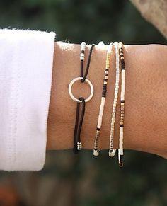 Bracelet perles miyuki blanc cassé 3 tours  : Bracelet par un-cabas-un-sac
