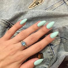 On average, the finger nails grow from 3 to millimeters per month. If it is difficult to change their growth rate, however, it is possible to cheat on their appearance and length through false nails. Rounded Acrylic Nails, Summer Acrylic Nails, Gel Nails, Nail Polish, Manicures, Antibacterial Soap, Fungal Infection, Strong Nails, Healthy Nails
