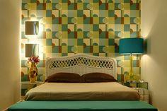 Estilo contemporâneo e detalhes dos anos setenta. Confira: http://www.casadevalentina.com.br/projetos/detalhes/pinceladas-setentistas-668 #decor #decoracao #interior #design #casa #home #house #idea #ideia #detalhes #details #style #estilo #casadevalentina #bedroom #quarto