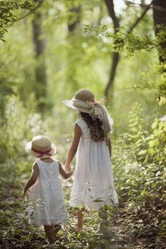 Easter bonnets on little girls on an Easter egg hunt.  Big Sis helping Little Sis.  So sweeeeeet!     (6) Tumblr