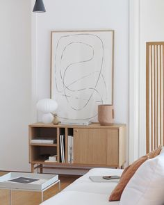 Calming spaces, making staying at home a little easier. By featuring FIGURE 04 Bycdesign Studio. Living Room Mirrors, Living Room Sets, Living Room Chairs, Living Room Decor, Wall Mirrors, Home Decor Styles, Cheap Home Decor, Home Decoration, Magazine Deco
