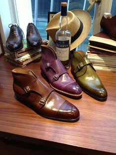 Saint Crispin handmade mens shoes I don't know many men who would wear them but I adore the purple Mens Fashion Shoes, Men S Shoes, Male Shoes, Saint Crispin, Dandy, Gentleman Shoes, La Mode Masculine, Monk Strap Shoes, Well Dressed Men