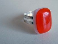 Üveghíd design glass - üvegékszer piros gyűrű