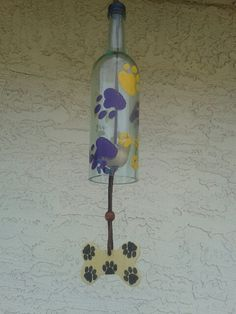 Unique dog themed yard art, wine bottle wind chime,  gift for dog lovers.This chime is all of these and will brighten up any back yard. by WaggyPawChimes on Etsy