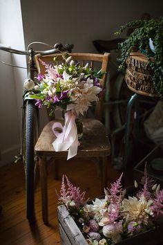 © Mint & Sweet Pepper - Atelier de jolies fleurs • Fleuriste Finistere Bretagne Le Jolie, Stuffed Sweet Peppers, Happy Day, Ladder Decor, Wedding, France, Home Decor, Weddings, Flower Crowns
