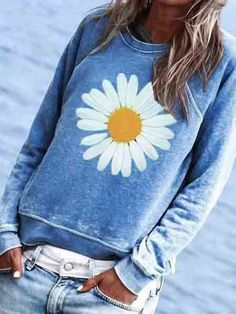 Crew Neck Floral Printed Casual Cute T-Shirts – Inspireyoos Casual T Shirts, Shirts & Tops, Casual Tops, White Casual, Violet Rouge, Look Fashion, Womens Fashion, Fashion Styles, Latest Fashion