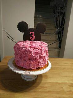 Mickey mouse rosette cake for girl 3th birthday