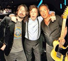 David Grohl, Sir Paul McCartney and Bruce Rock And Roll, Rock N Roll Music, American Music Awards, The Boss Bruce, Bruce Springsteen The Boss, E Street Band, Odd Couples, Band Pictures, Born To Run