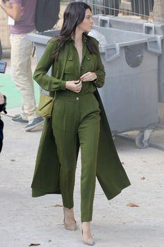 celebriupdates:  10/03/15 - Kendall Jenner leaves Elie Saab Show.