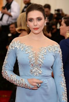 """Elizabeth Olsen Photos - Elizabeth Olsen attends the """"Charles James: Beyond Fashion"""" Costume Institute Gala at the Metropolitan Museum of Art on May 2014 in New York City. - Red Carpet Arrivals at the Met Gala — Part 3 Hollywood Celebrities, Hollywood Actresses, Elizabeth Olsen Scarlet Witch, Queen Elizabeth, Olsen Sister, Met Gala Red Carpet, Mary Kate Ashley, Celebrity Beauty, Beautiful Celebrities"""