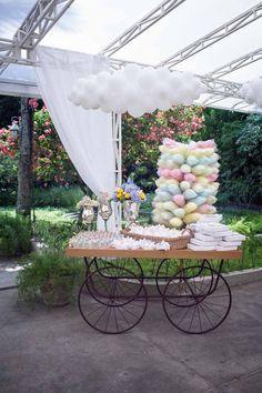 Para se inspirar: carrinho com docinhos e algodão doce!