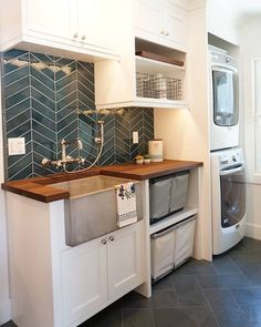 Modern Basement Remodel Laundry Room Ideas 24 Traditionally, washers and dryers were located in the basement. This is a little like storing garden tools in the attic. Tiny Laundry Rooms, Mudroom Laundry Room, Laundry Room Remodel, Laundry Room Design, Laundry In Bathroom, Basement Bathroom, Laundry Room Utility Sink, Basement Walls, Laundry Room And Pantry
