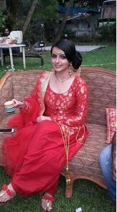 maru jeelani (With images) Dress Indian Style, Indian Dresses, Indian Wear, Indian Outfits, Indian Attire, Indian Clothes, Punjabi Fashion, Indian Fashion, Punjabi Dress