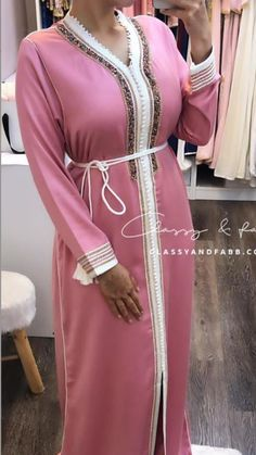 Afghan Dresses, Moroccan Dress, Mode Hijab, Caftans, Traditional Dresses, Dresses With Sleeves, Long Sleeve, Fashion, Caftan Dress