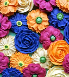 Hey, I found this really awesome Etsy listing at http://www.etsy.com/listing/156584757/flower-bouquet-made-from-royal-icing-4