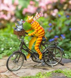 It's impossible to keep a straight face when you see these Driving Animal Metal Garden Accents. These critters are fully engaged in their own adventures: the Cat with scarf flying . Hummingbird Painting, Yard Sculptures, Metal Garden Art, Yellow Cat, Large Planters, Hang Ten, Cat Colors, Glass Birds, Garden Statues