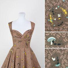 A bug's life vintage dress 50s Dresses, Lovely Dresses, Vintage Dresses, Vintage Outfits, 50s Vintage, Vintage Clothing, 1950s Fashion, Vintage Fashion, Dress Out
