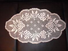 Filet Crochet, Crochet Doilies, Ceiling Lights, Home Decor, Rugs, Crochet Table Runner, Napkins, Crocheting Patterns, Art Crafts