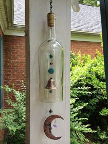 bottle crafts wind chimes 47 Charming Backyard Ideas Using an Empty Glass Bottle Empty Glass Bottles, Glass Bottle Crafts, Diy Bottle, Decorative Wine Bottles, Cut Bottles, Diy Projects With Wine Bottles, Glass Perfume Bottles, Recycled Glass Bottles, Carillons Diy