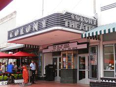 Colony Theatre in SoBe, Miami © http://travelwithmk.com/
