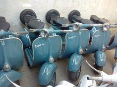 Vespa Purchased one just like this at Scooterama, Mobile AL Vespa Vbb, Piaggio Vespa, Vespa Scooters, Vintage Bikes, Vintage Vespa, Vespa Images, Scooter Garage, Vespa Sprint, Vw T1