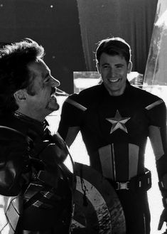 Steven Grant Rogers, Captain Rogers, Christopher Evans, Marvel Actors, Robert Downey Jr, Chris Evans, Cute Photos, Beautiful Boys, Iron Man