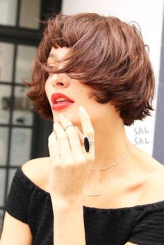 Easy Hairstyles for Short Hair And#8211; the Most Epic Trends ★ See more: http://lovehairstyles.com/easy-hairstyles-for-short-hair/