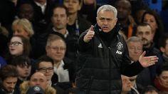 Beritaragam.com - Pertandingan Chelsea lawan Manchester United ikut diramaikan dengan acungan tiga jari Jose Mourinho terkait dengan olok-olok dari sejumlah fans The Blues.   #Blues #Chelsea #Judas #Manchester #Mourinho #Tottenham