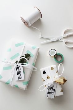 Simple Handmade Holiday Wrap Ideas — The Entertaining House Wrapping Gift, Creative Gift Wrapping, Christmas Gift Wrapping, Wrapping Ideas, Wrapping Papers, Christmas Gifts To Make, Noel Christmas, Holiday Gifts, Christmas Presents